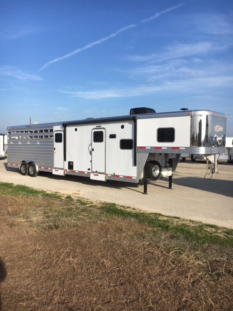 2018 Exiss Trailers Stock LQ 10' Short Wall Livestock Trailer