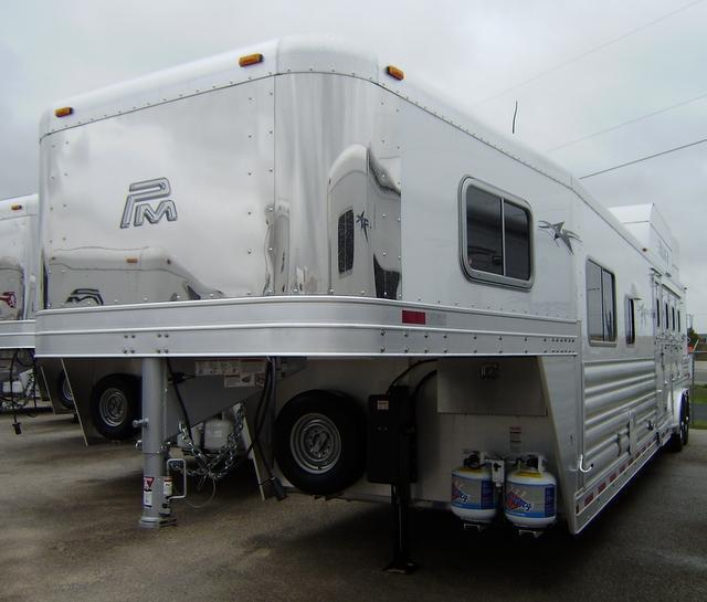2016 Platinum Coach 4 Horse 14' Short Wall Horse Trailer