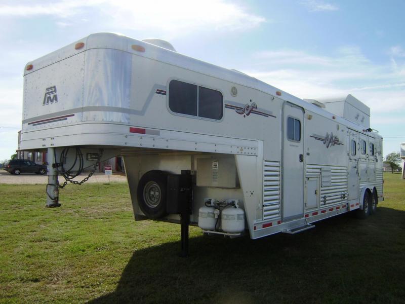 2005 Platinum Coach 3 Horse 14' SW Horse Trailer