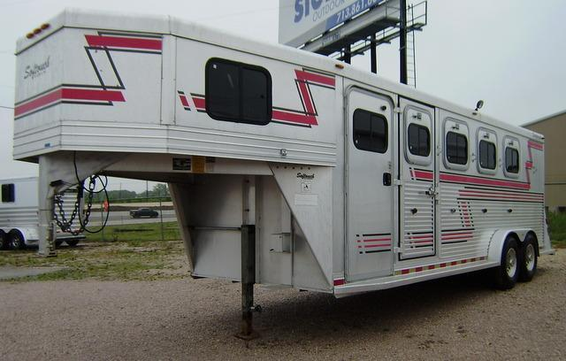 1998 Softouch 4 Horse 3' Short Wall Gooseneck Horse Trailer