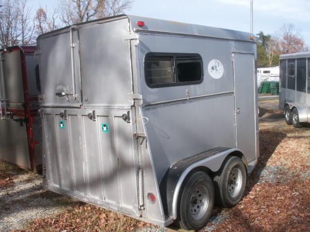 2001 Adam 2-H STRAIGHT LOAD REAR RAMP Horse Trailer