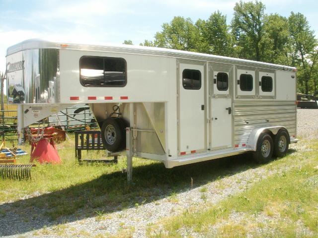 2012 Cimarron Trailers 3-HORSE GN SLANT Horse Trailer