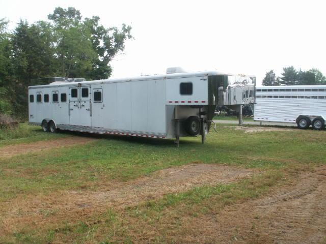 2003 Sundowner Trailers CUSTOM BUILT 8-HORSE SLANT Horse Trailer