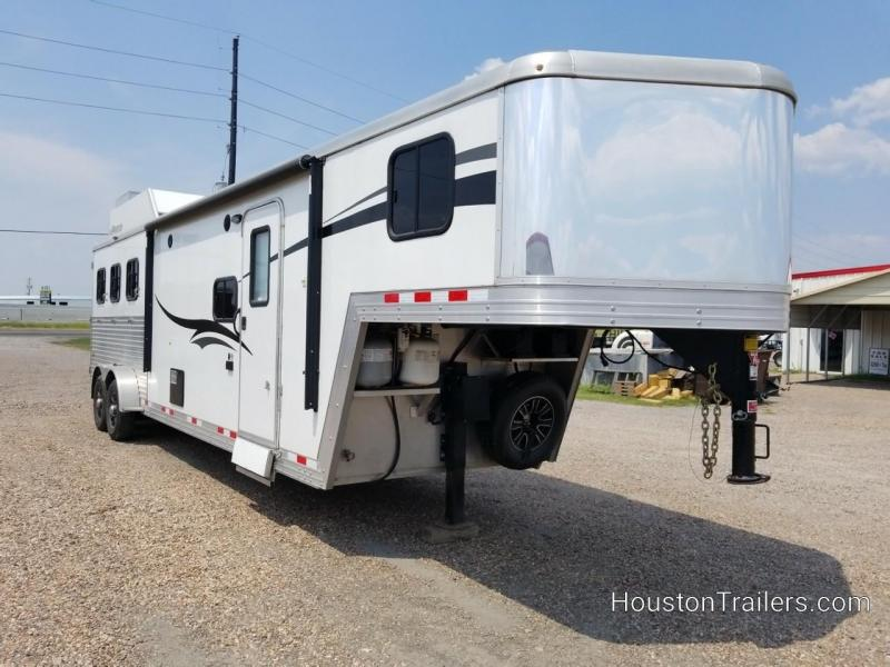 2015 Bison Trailers 3 Horse LQ Shortwall 12' Horse Trailer CO-1043