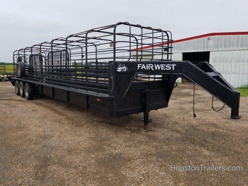 1993 Fair West 32 ft Gooseneck Livestock Trailer 8101