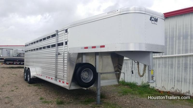 2018 CM Roundup 24' AL Livestock Trailer CM-50