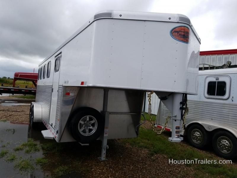 2019 Sundowner Trailers Super Sport 4 Horse Trailer SD-92