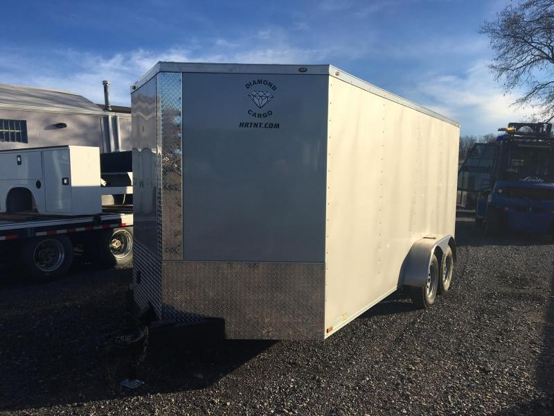 DIAMOND CARGO 2018 7' x 16' SILVER SEMI-SCREWLESS TANDEM AXLE V-NOSE CARGO TRAILER