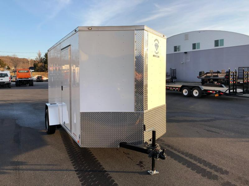 DIAMOND CARGO 2018 6' x 12' SINGLE AXLE WHITE ENCLOSED TRAILER