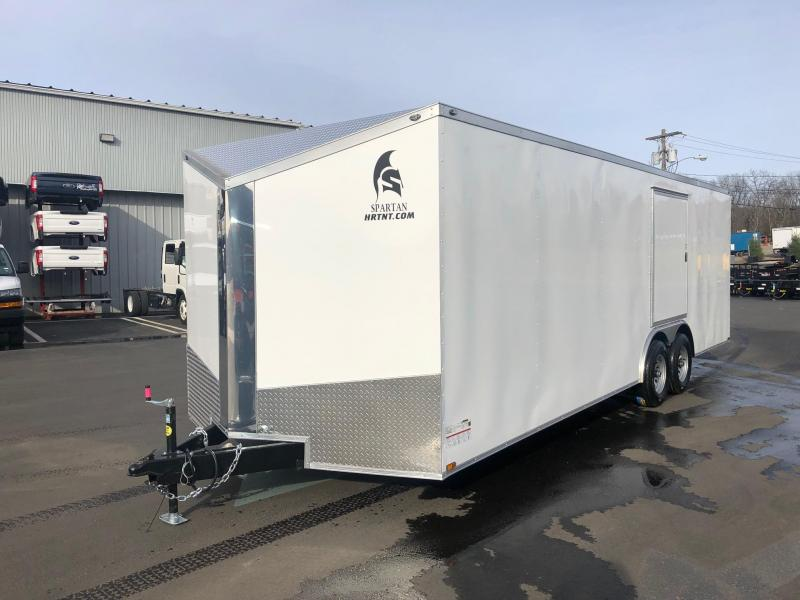 SPARTAN CARGO 2019 8.5 X 24 TANDEM AXLE WHITE SEMI SCREWLESS ENCLOSED TRAILER