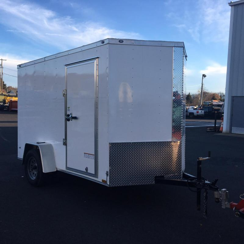 DIAMOND CARGO 2018 6' x 10' SINGLE AXLE WHITE ENCLOSED TRAILER