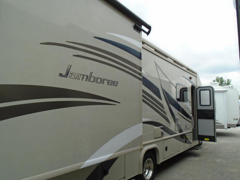 2017 Fleetwood JAMBOREE 31U Class C GAS