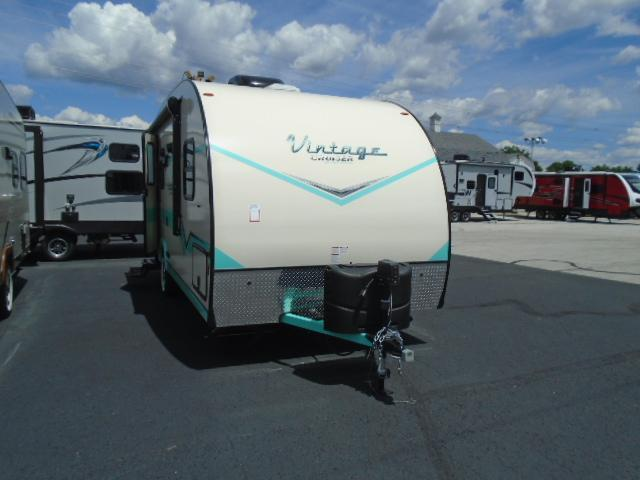 2018 Gulfstream VINTAGE CRUISER 19CSK Travel Trailer