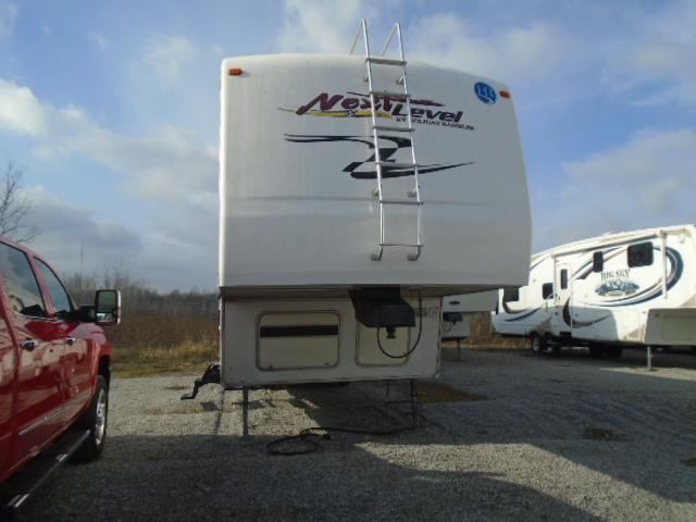 2005 Holiday Rambler NEXT LEVEL TOY HAULER 5TH WHEEL Toy Hauler