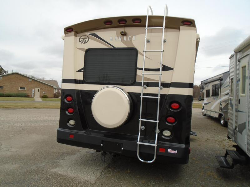 2009 Monaco Coach Corporation  montclair Class C RV
