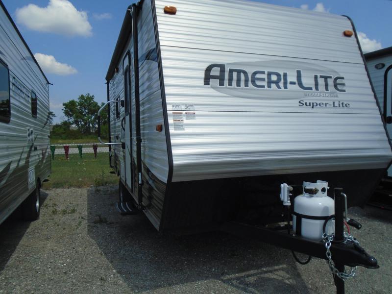 2017 Gulfstream AMERI-LITE Camping / RV Trailer