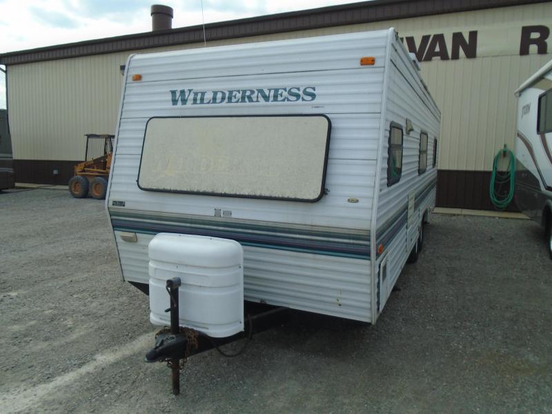1998 Fleetwood Wilderness 26T Travel Trailer RV
