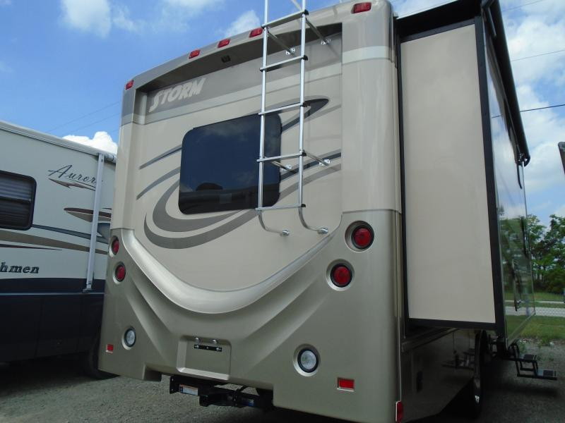 MANAGER SPECIAL- MUST GO! 2016 Fleetwood RV STORM 32H BUNKHOUSE