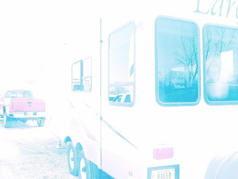 2004 Keystone RV LAREDO 25RL SHARP SMALLER FIFTH WHEEL Camping / RV Trailer