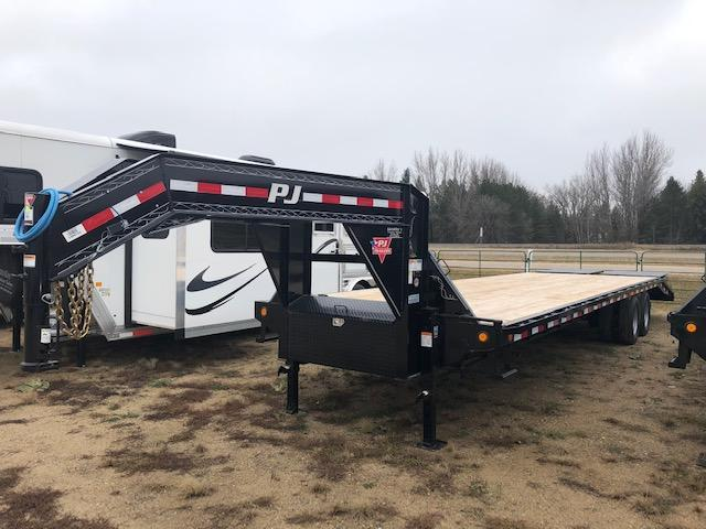 2019 PJ Trailers 32' Flatbed Trailer