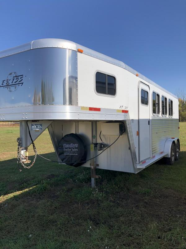 2002 Exiss Trailers 730 Horse Trailer