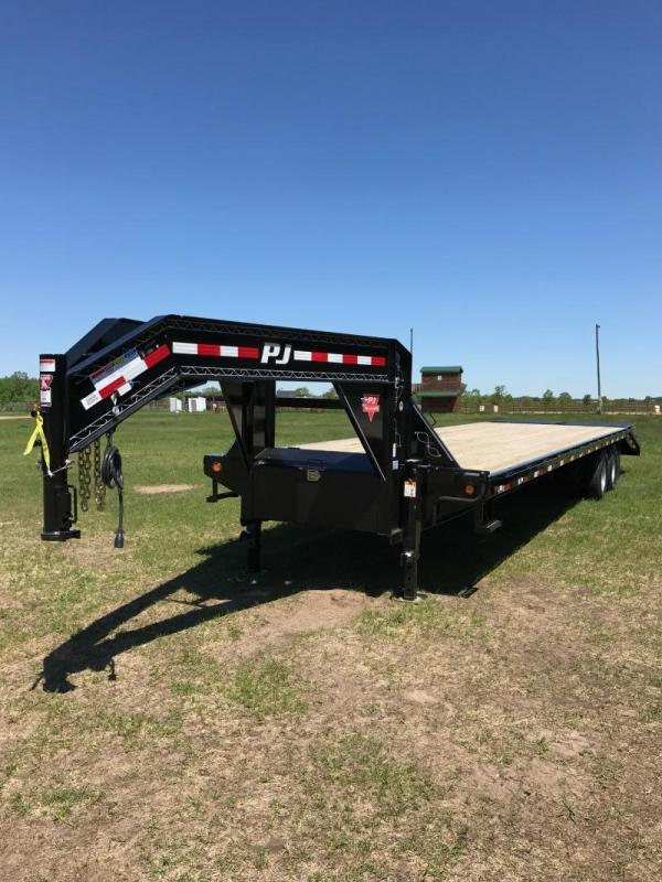 2017 PJ Trailers 32' FD GN w/Monster Ramps
