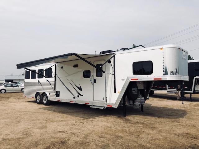 2019 Merhow 4 Horse 11'Shortwall LQ