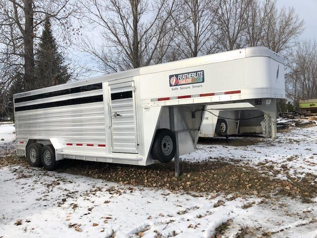 2018 Featherlite 8127 20' Livestock Trailer