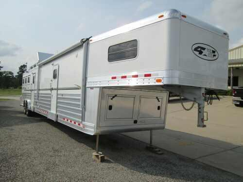 2011 4-Star 3H LQ - 23' SW - PRICED FOR QUICK SALE