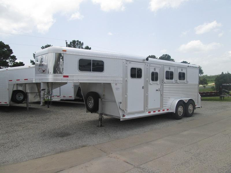 2005 Elite Trailers GREAT BUY 3H GN Horse Trailer