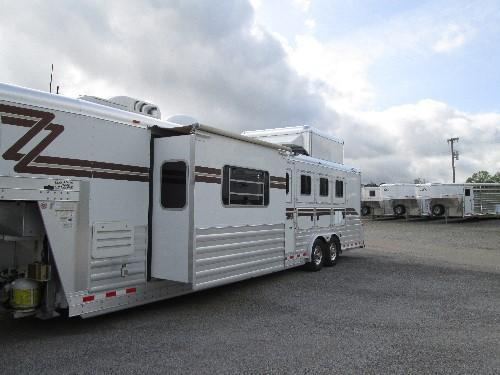 2006 4-Star Trailers OUTLAW CONVERSION WITH 7 6 SLIDEOUT Horse Trailer