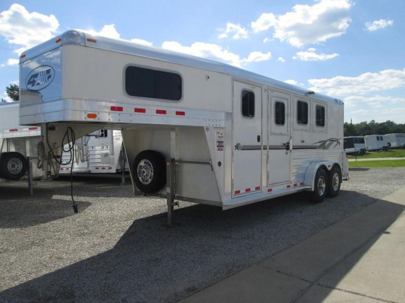 2012 4-Star Trailers 3H WITH 4 DRESSING ROOM Horse Trailer