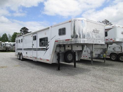 2000 Exiss EXCELLENT CONDITION 3 Horse Trailer