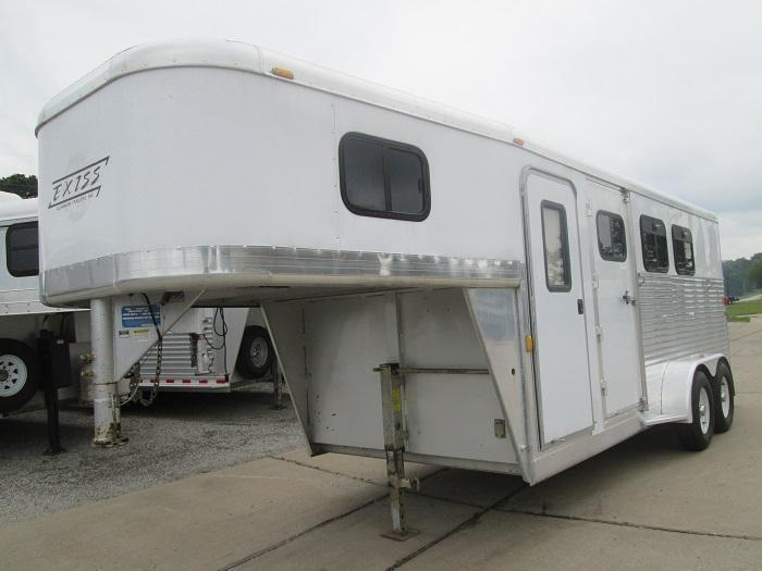 2004 Exiss 3H GN Horse Trailer