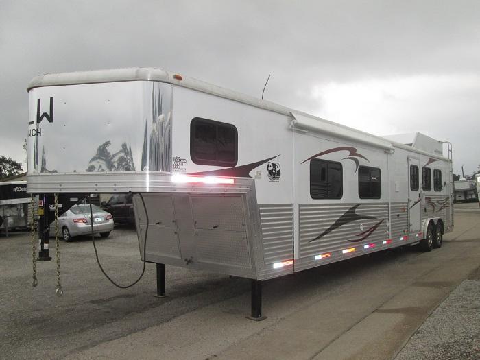 2012 Bison Trailers 3H - HUGE SLIDE - RAMP Horse Trailer