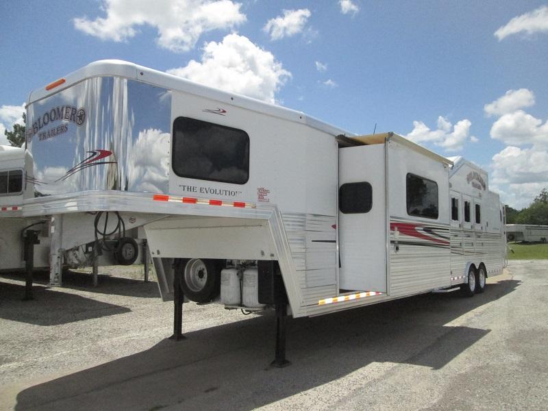 2012 Bloomer Trailer Manufacturing 4H LQ - PC LOAD - SLIDE Horse Trailer
