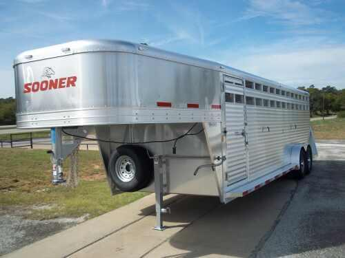 2014 Sooner 24 ft Stock Trailer
