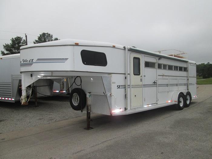 2000 Trails West Manufacturing 4H SLANT LOAD Horse Trailer