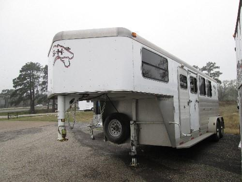 2004 S and H Trailers 3 Horse Horse Trailer