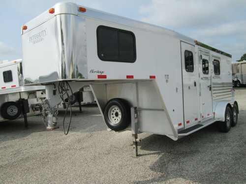 2007 Integrity Trailers Dressing Room 2 Horse Trailer