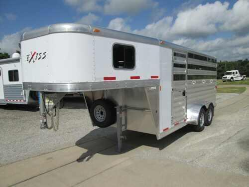 2015 Exiss 3 HORSE 730 CX Horse Trailer