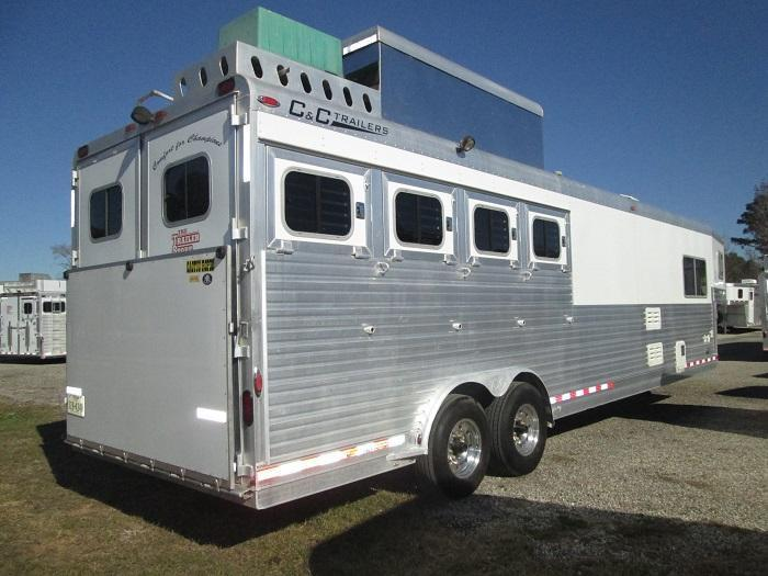2006 C and C Trailers SUPER 4H LQ Horse Trailer