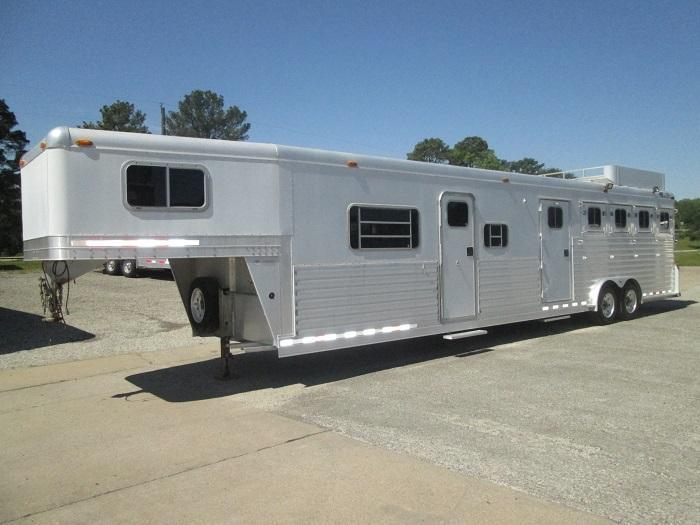 2003 4-Star Trailers 4H - 16.5 FT SW Horse Trailer