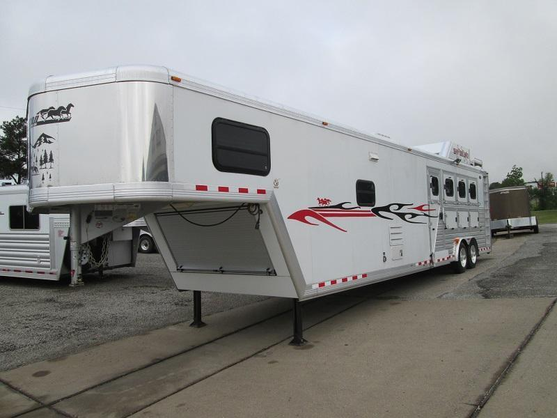 2008 Cimarron Trailers 4H LQ - RAMP - EXCELLENT SHAPE Horse Trailer