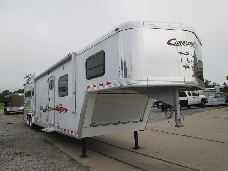2008 Cimarron Trailers 4H LQ - RAMP - EXCELLENT SHAPE Horse Trailer