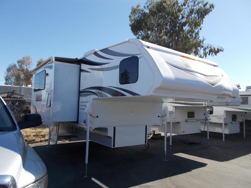 2017 Lance 1062 Truck Camper/Longbed