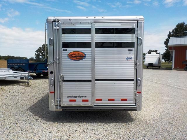 2018 Sundowner Trailers SUNLITE RANCHER Livestock Trailer