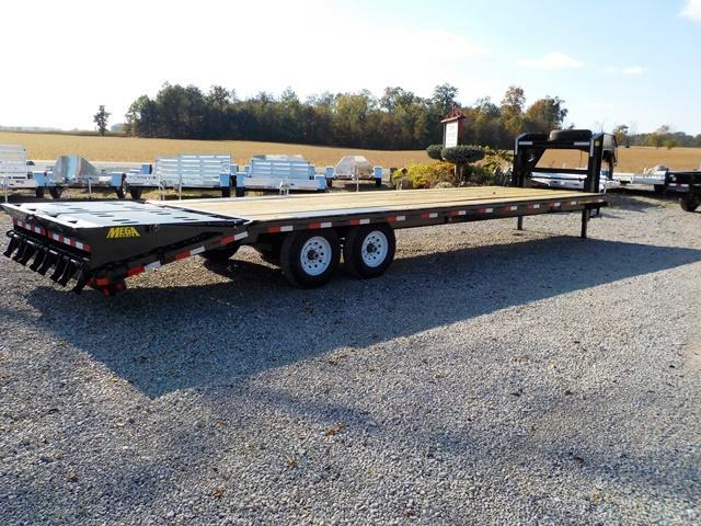 2018 Big Tex Trailers 14GN-25BK + 5MR Equipment Trailer