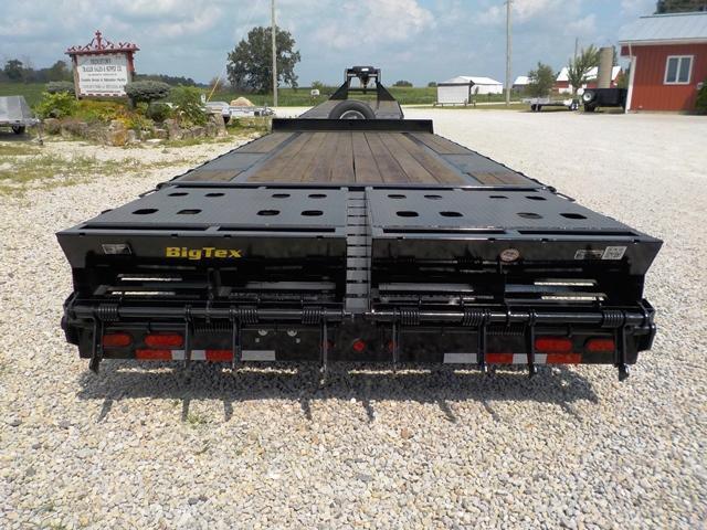 2017 Big Tex Trailers 14PH-20BK5MR Equipment Trailer
