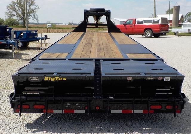 2017 Big Tex Trailers 22GN-HD 28+5 BK MR Equipment Trailer